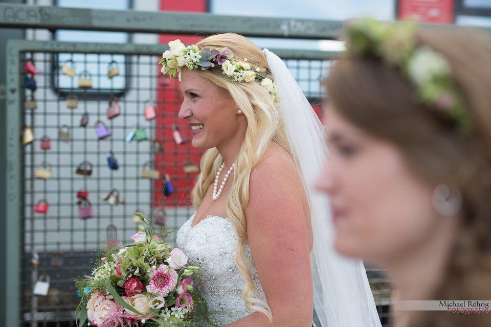 Michael Röhrig Hochzeitsfotograf - Die Braut auf der Hohenzollernbrücke