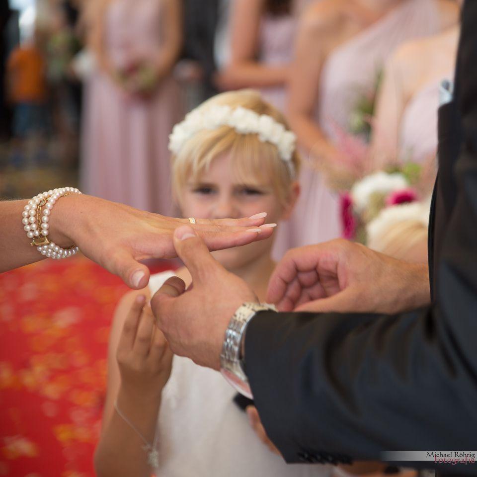Michael Röhrig Hochzeitsfotograf - Brautpaar Ringe tauschen