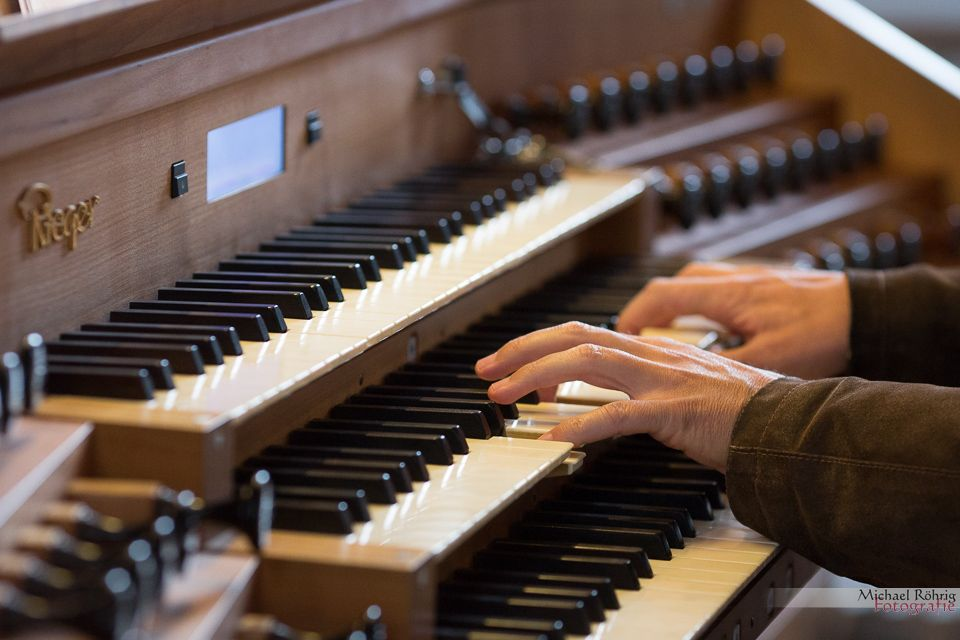 michael_roehrig_hochzeitsfotograf_kirche_orgel091142