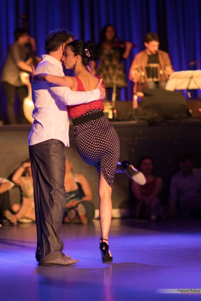 Nina Gonzales und Uwe Kops Tanzen eine Tango-Show. Bild von Michael Röhrig